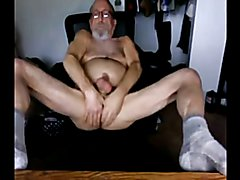 daddy smokes his pipe and takes his clothes off on cam