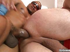 Chubby white guy goes black