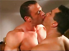 The two hot alphas hook up in the muscle man hardcore