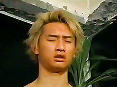 Handsome Asian guy (Japanese)(mask)