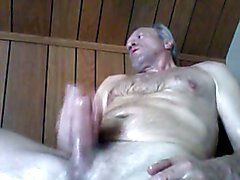 Jacking off while I am watching one of my favorite JOI videos.