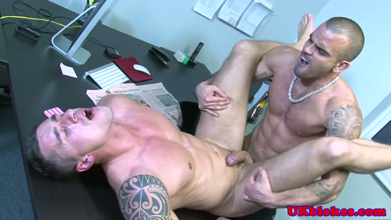Crazy and sweet boys threeway wanking love dogs. So