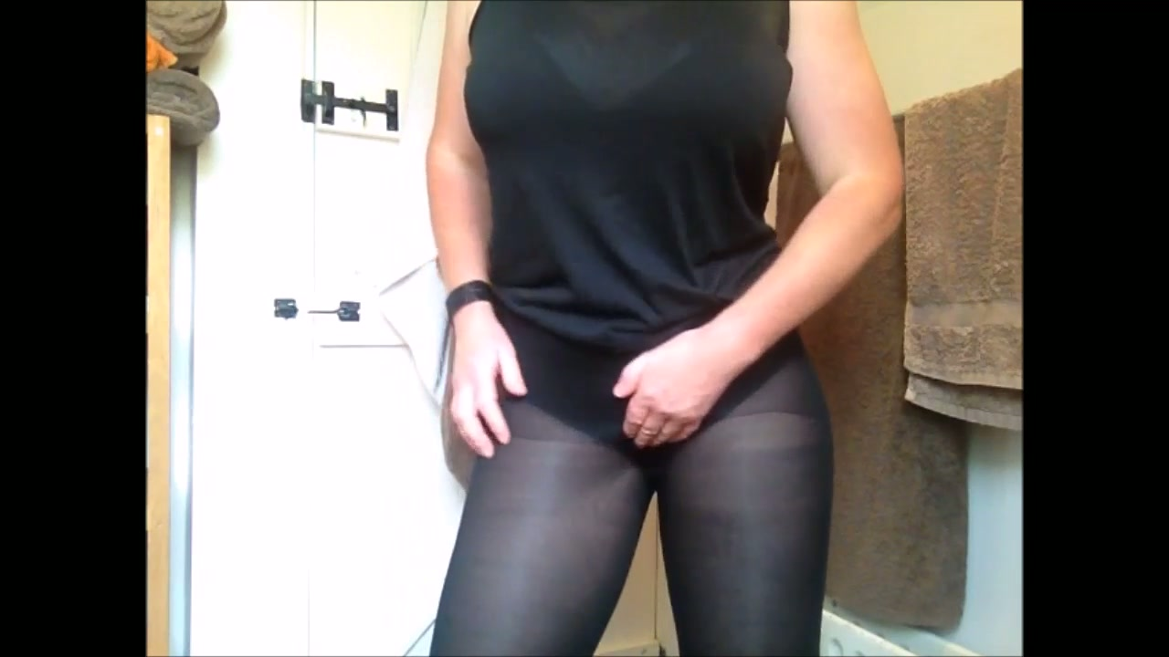 pantyhose male porn videos   manporn.xxx