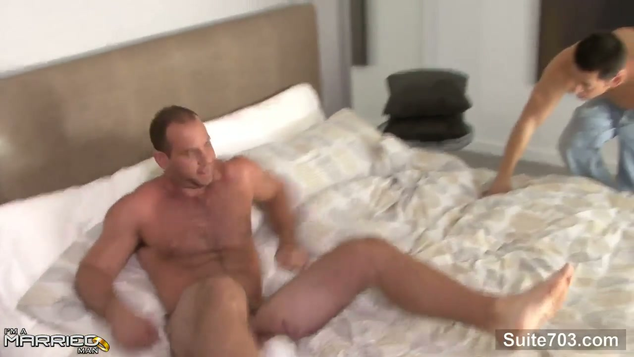 A married man gets seduced and fucked complete 5