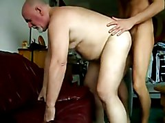 GAY BEAR GRANDPA FUCKED CUMMING