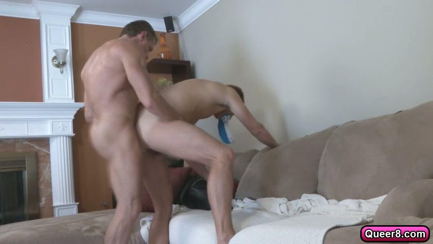 tyler saint catches ryan raz sniffing his sexy underwear