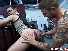 Gaysex muscle hunks gets assfull of cock and blows his