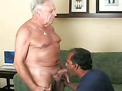 Indian dad sucking big older cock