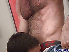 Closeup gaysex fun with hairy bear and jock