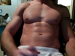 Str8 muscle daddy stroke his meat