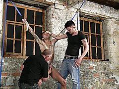 BDSM slave boy tied up punished whipped schwule jungs