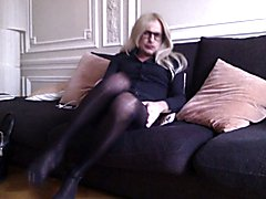 CD TV TS SISSY TRAV IN PANTYHOSE COLLANT PLAYING MY CLIT
