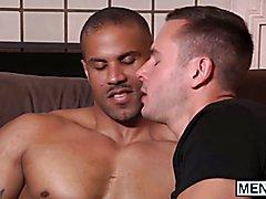 Interracial sex between muscle guys