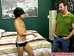 Hot tight twink Kyler Moss gets his cherry popped by Bryan