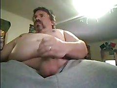 Husky Chub Plays on Cam