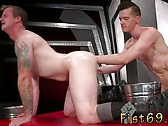Sex with cute gay twinks snapchat In an acrobatic 69, Axel Abysse stuffs his hand into