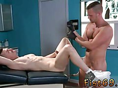 Fisting gay movies xxx Axel Abysse gets bare and hoists his gams up on the examination