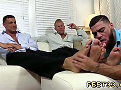 Johnny and Joey both have size 12 soles that any foot