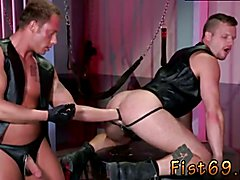 To get a finer angle, Brian gets on his back and lets Preston reach in deeply. Fisting men o...