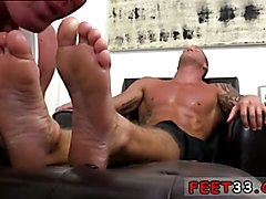 Dev Worships Jason James' Manly Feet Young bad feet gay