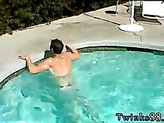 Zack & Mike - Jackin by the Pool Crotch smothering teen