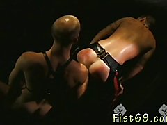 Male fist tgp gay Justin Southhall works over Scott Samson in a down-n-nasty