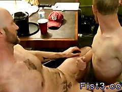 Kinky Fuckers Play & Swap Stories Fisting male slave by