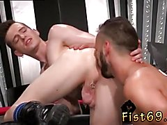 Young small boy fist time fucking gay porn Aiden Woods is on his back and bellows to Axel
