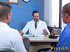 Gay porno free sex style with short penis xxx Brian Bonds goes to Dr. Strangeglove's