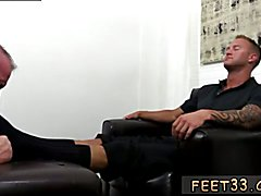 Dev Worships Jason James' Manly Feet Male ass and feet