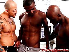 Interracial gay threeway with spitroasted guy