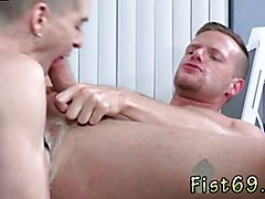 Black african gay anal fisting movie Brian Bonds and Axel Abysse budge to the office and