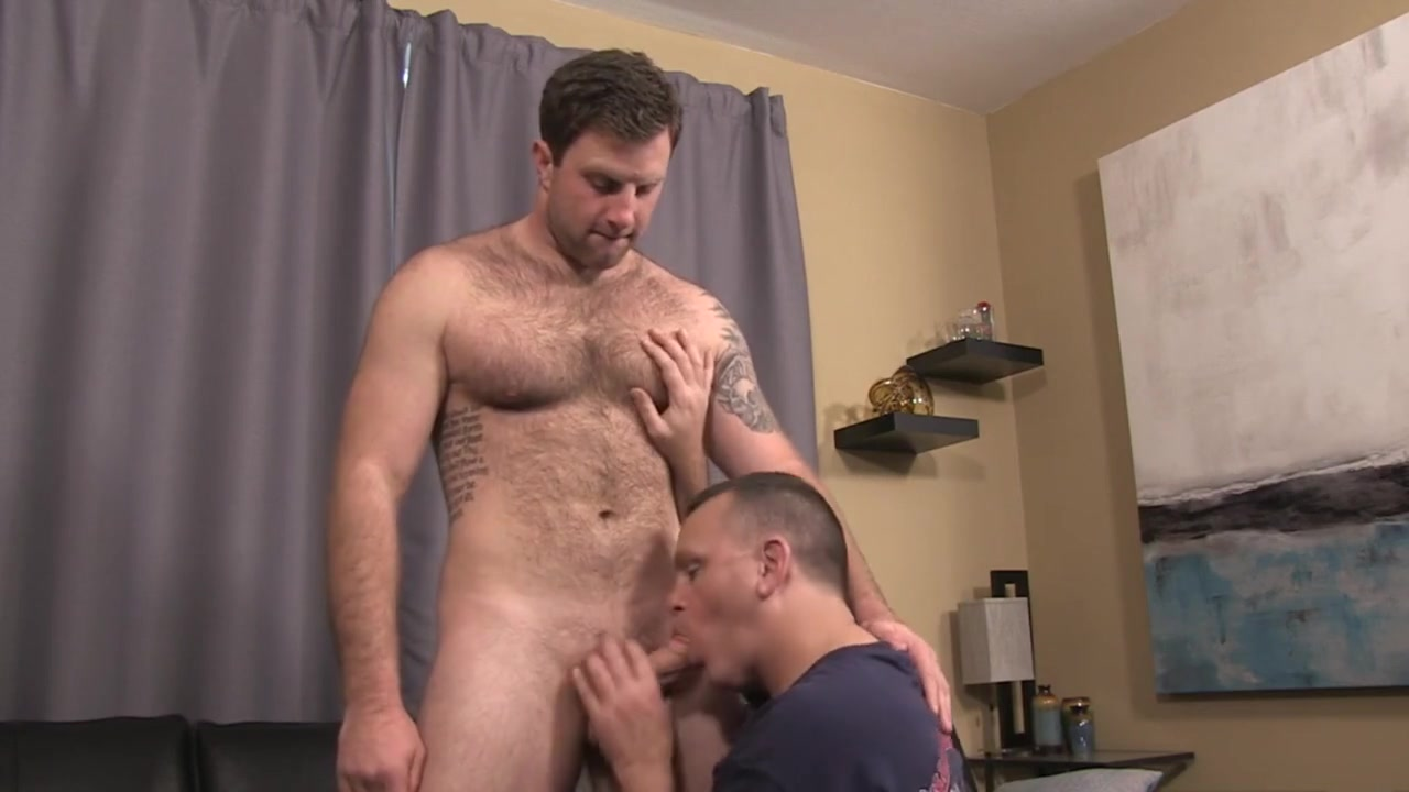 Hairy hunk gets rimmed