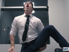 Office hunks Kit Cohen and Paul Canon love dicking around