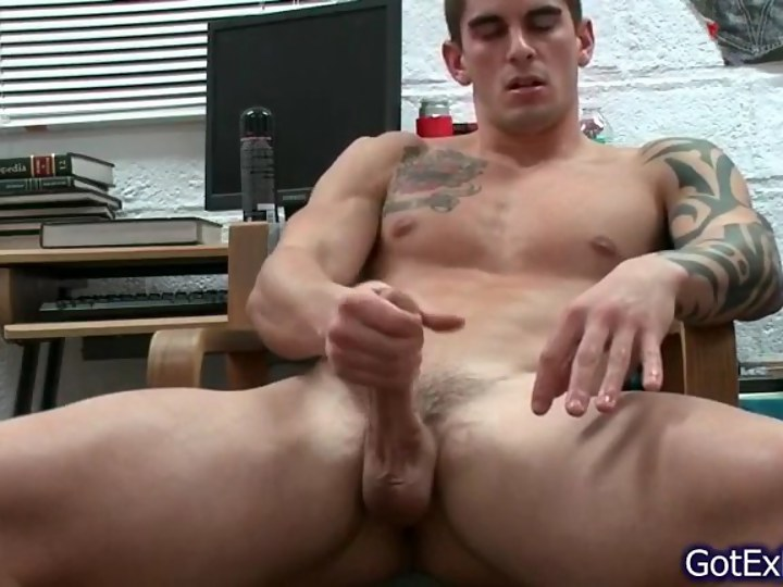 Hot Guy Jerking Off Solo