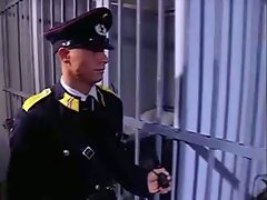 Prisoner has fun with Police officers